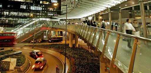 hong_kong_pedestrian_overpass_rtx9saf_ah_55586