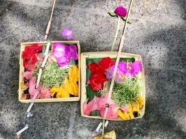 bali-offerings